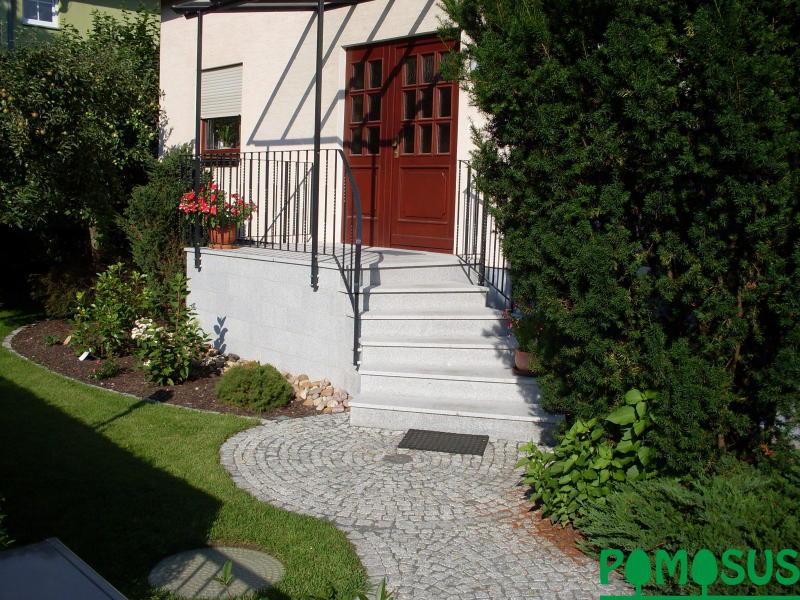 pomosus garten und landschaftsbau gestaltung eingangsbereich in kleinzschachwitz. Black Bedroom Furniture Sets. Home Design Ideas